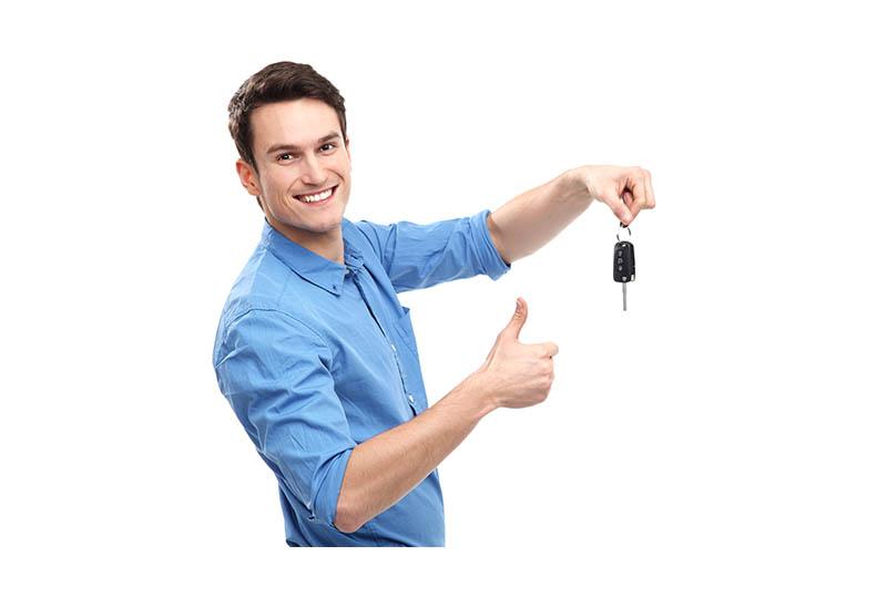 Glücklich nach Fahrzeug Verkauf in Nürnberg